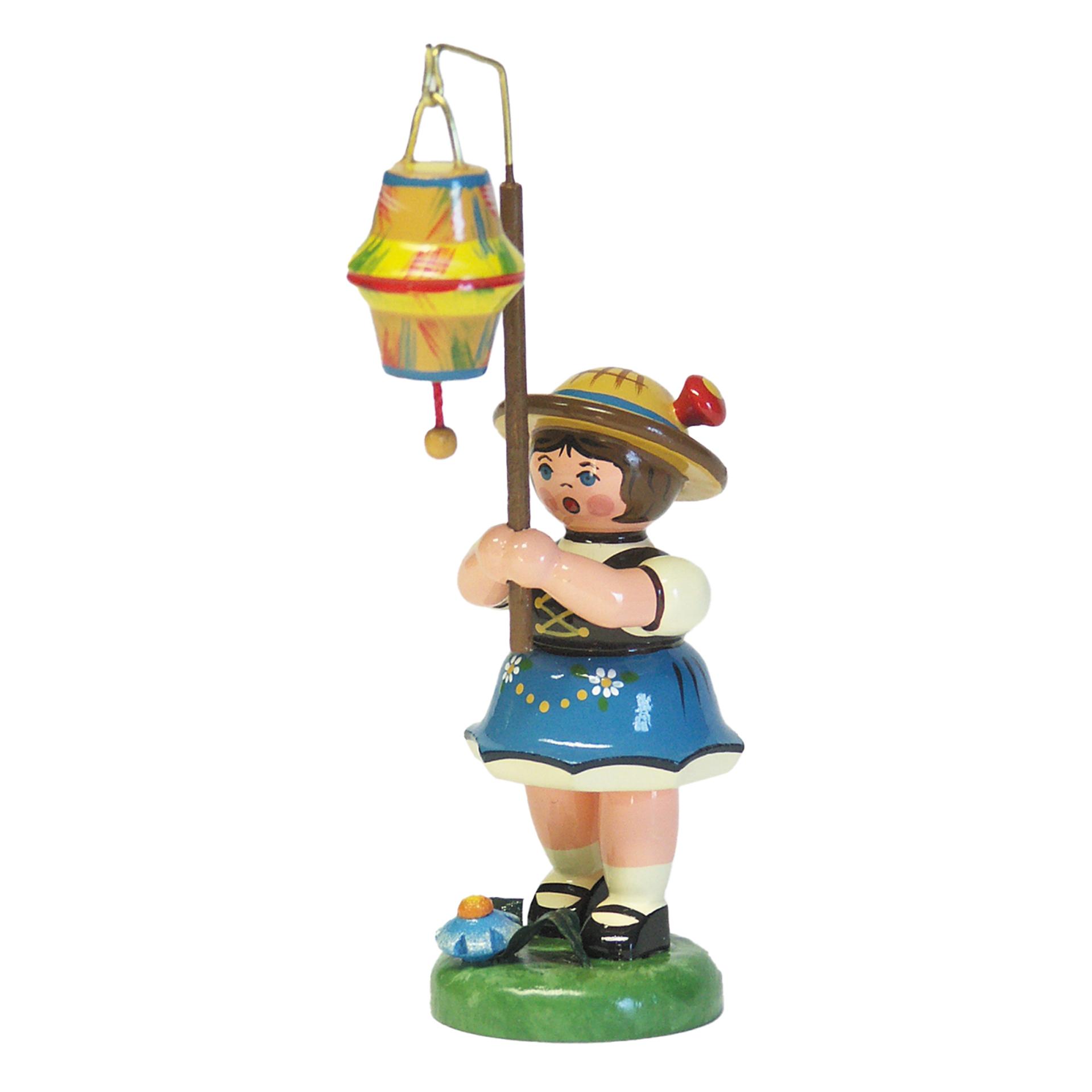 Lampionkind Mädchen mit kegelförmigem Lampion