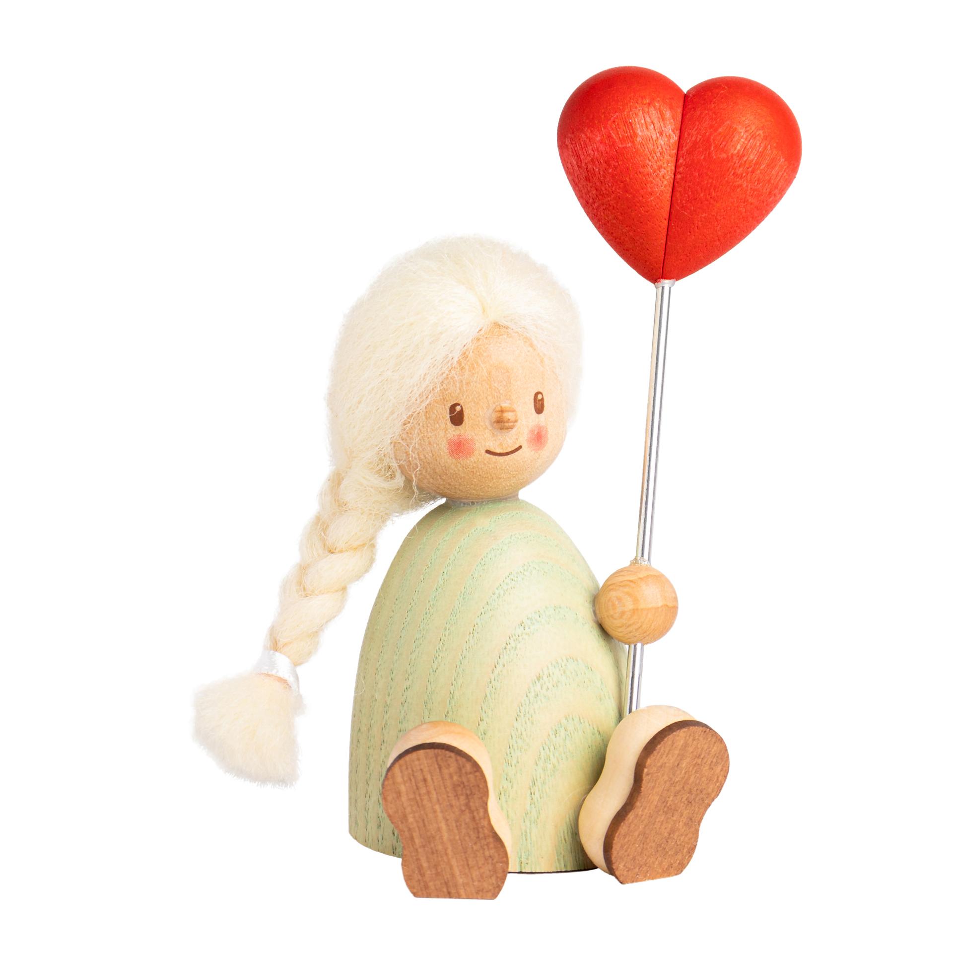 Finja mit Herzballon